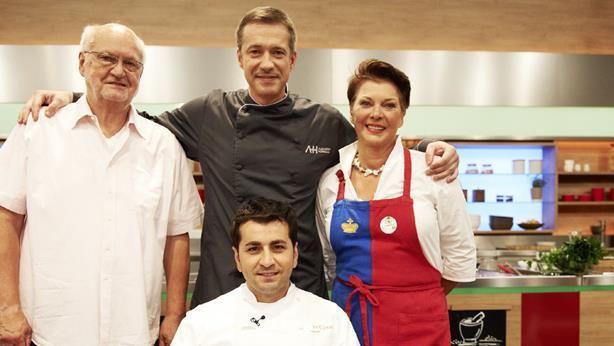Martha Gewinnt Zdf Kuchenschlacht Marthas Knopflistudio